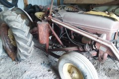 ford-tractor-w-bucket-2
